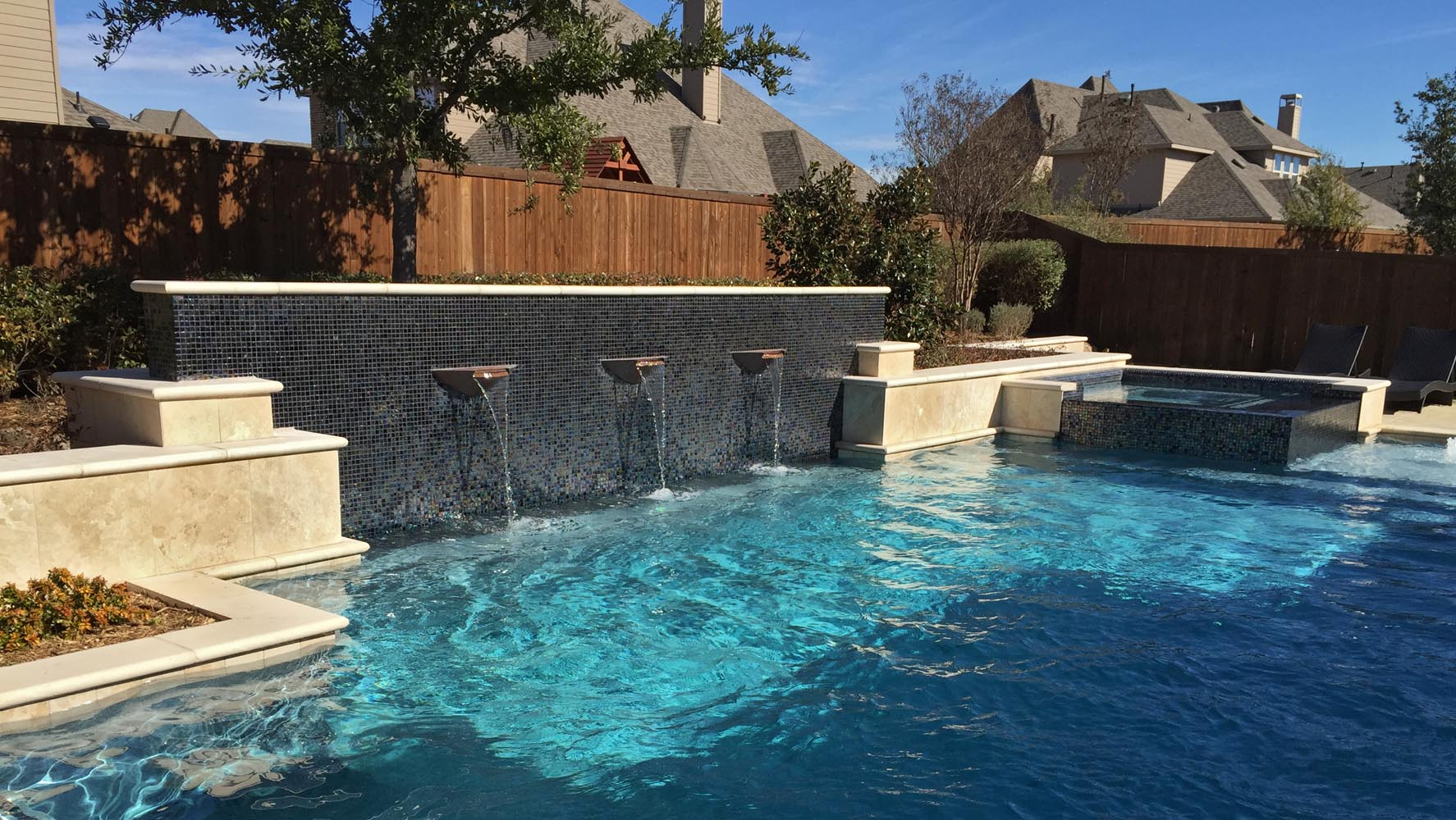 Dallas plano pool fountains custom water features gallery for Water pool design